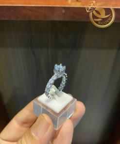 Sang trọng, quyến rũ cùng với nhẫn vàng trắng đính kim cương cao cấp tại RIOGEMs