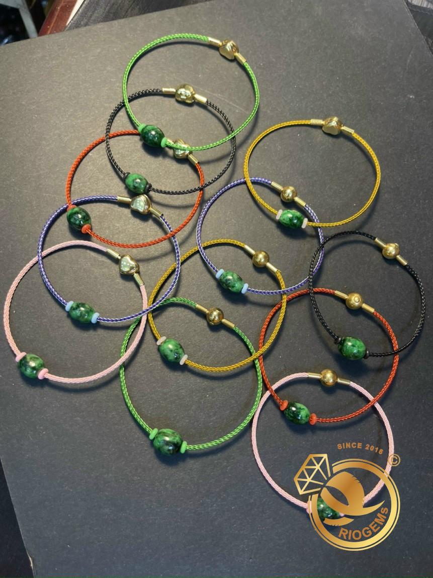 Mẫu vòng tay dây dù lu thống nhiều màu sắc cho người dùng lựa chọn