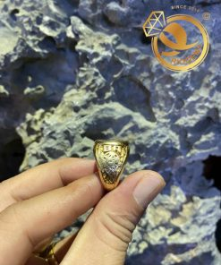 Nhẫn mỹ xưa khắc nổi tinh xảo