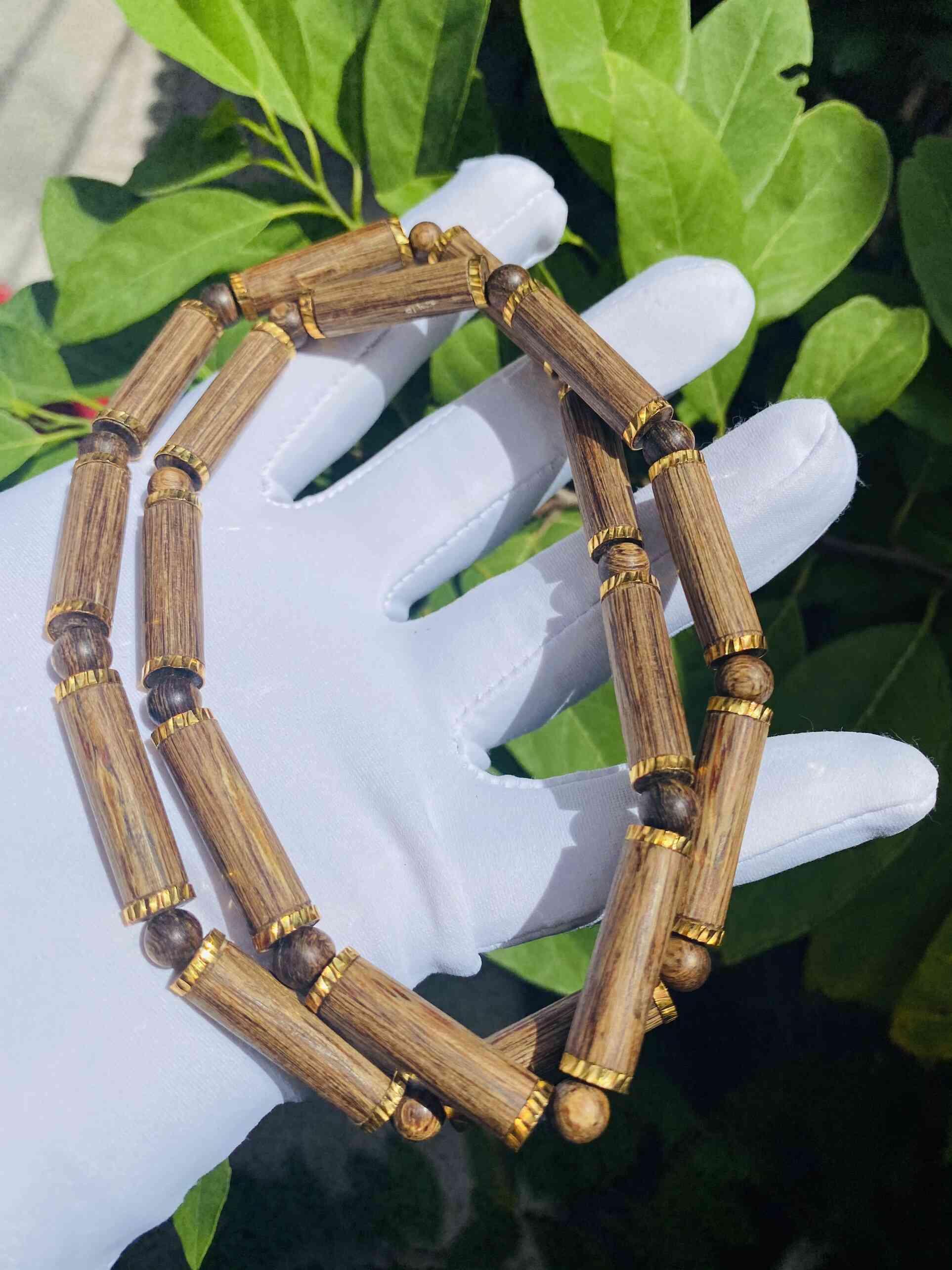 Dây chuyền gỗ phong thủy đẹp