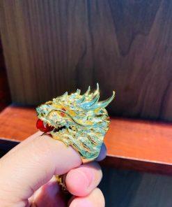 Nhẫn đầu rồng vàng 18k với những chạm khắc sống động và đầy thần thái