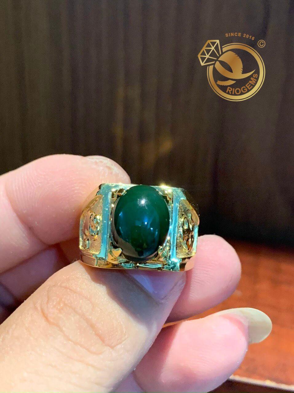 Nhẫn nam vàng gắn đá quý
