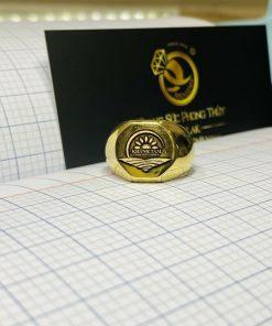 Nhẫn signet vàng