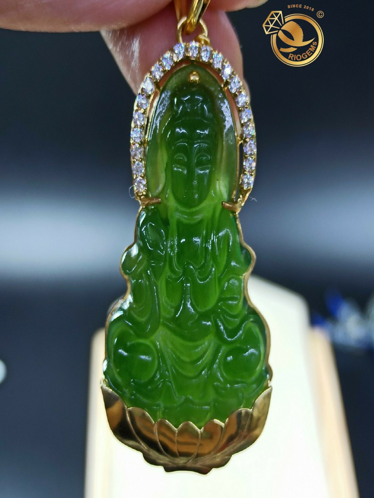 Phật Bà Quan Thế Âm Bồ Tát ngọc bích