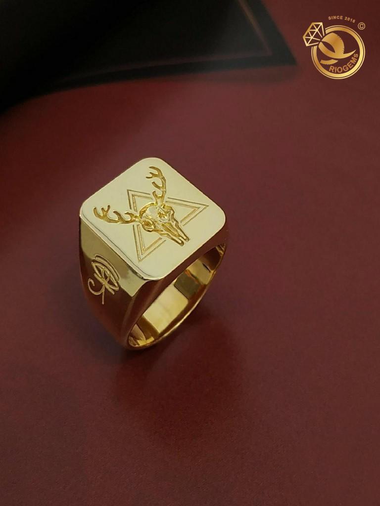 Nhẫn signet nam vàng 18K khắc hình tuần lộc