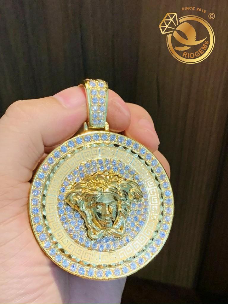 Mặt dây chuyền Versace VÀNG 18K full kim cương Moissanite