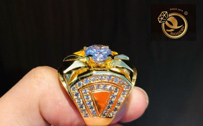 Vết rạn nứt của kim cương nhân tạo khá ít
