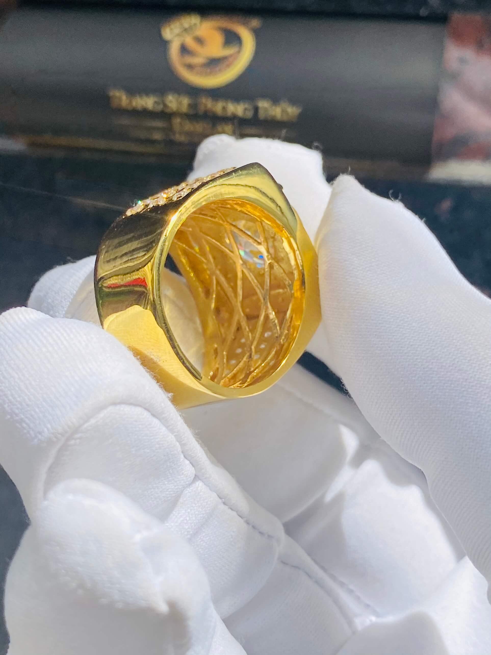 Nhẫn nam vàng thời thượng