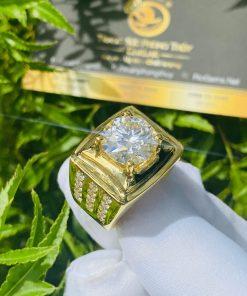 Nhẫn nam vàng gắn kim cương