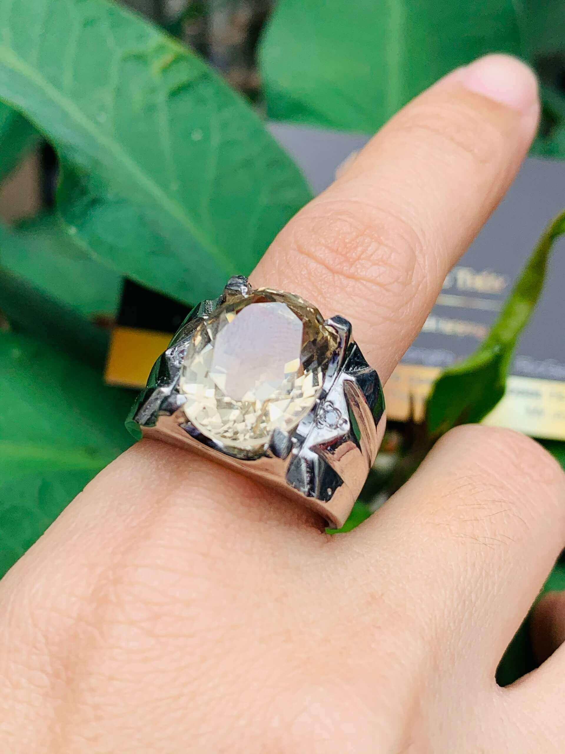 Nhẫn bạc phong thủy đeo ngón trỏ