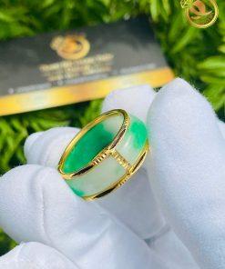 Nhẫn ngọc cẩm thạch bọc vàng