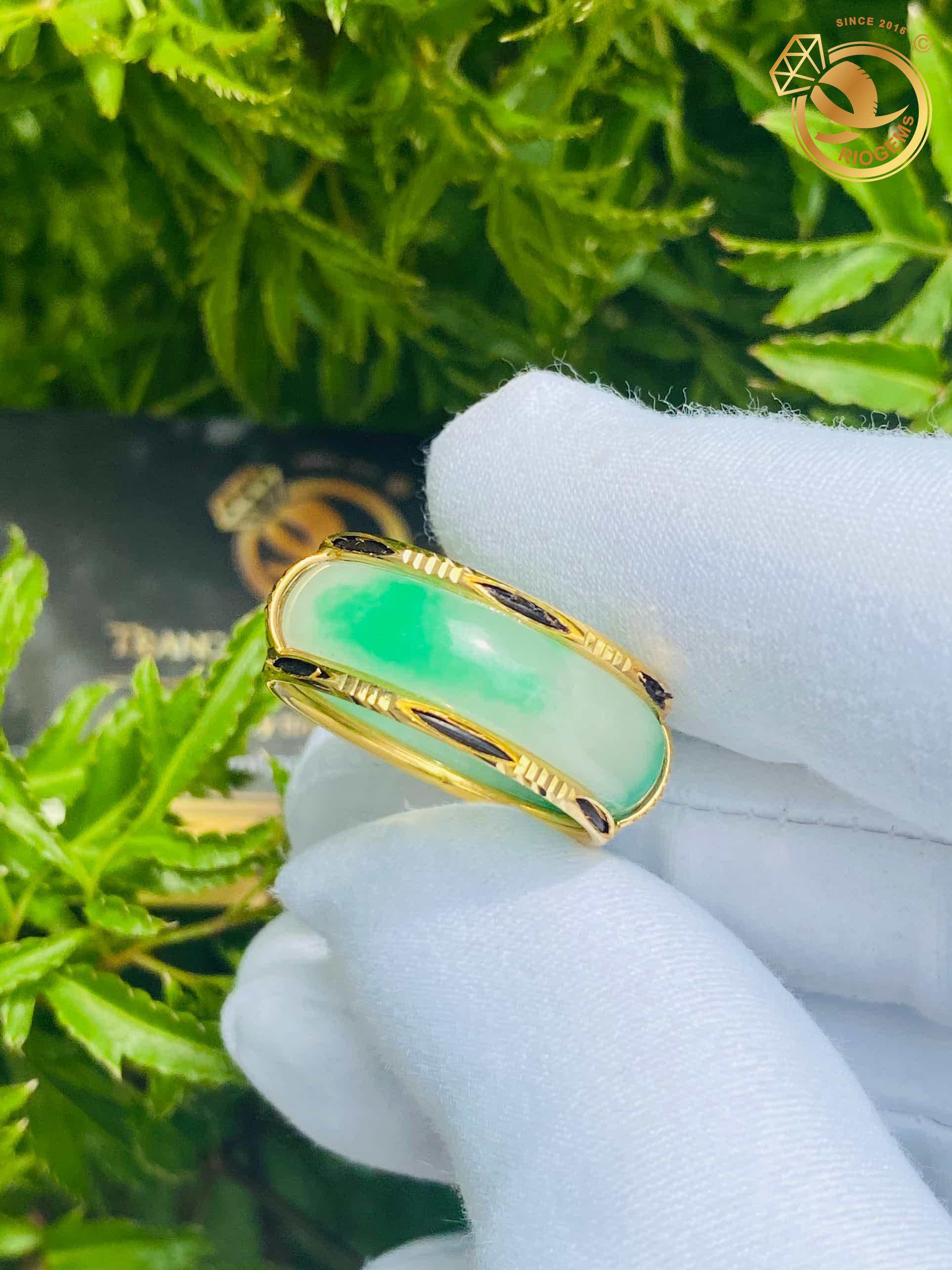 nhẫn cẩm thạch nữ