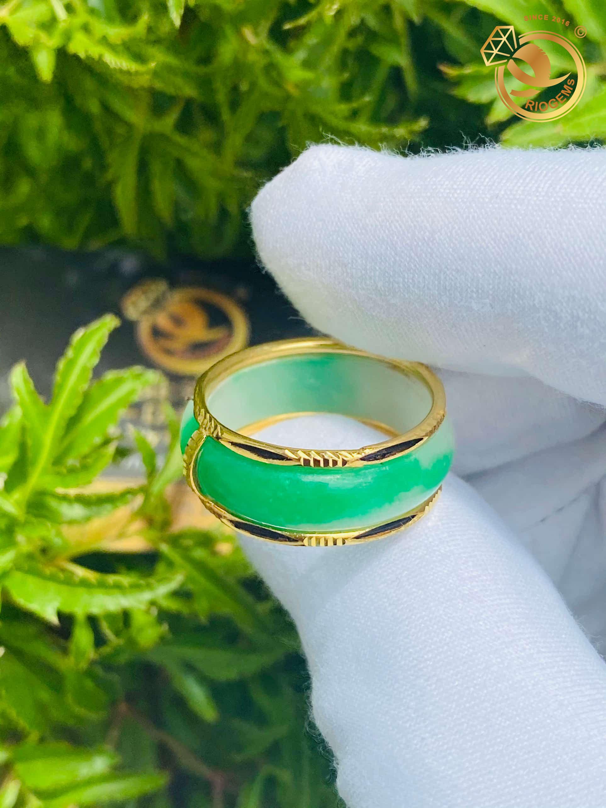 nhẫn cẩm thạch vàng 18k
